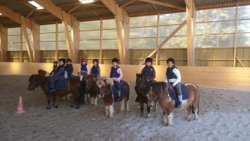 Des Stages ouvert à tous pour les vacances !!! c'est bientôt les vacances ,profitez en pour découvrir l'équitation !!!